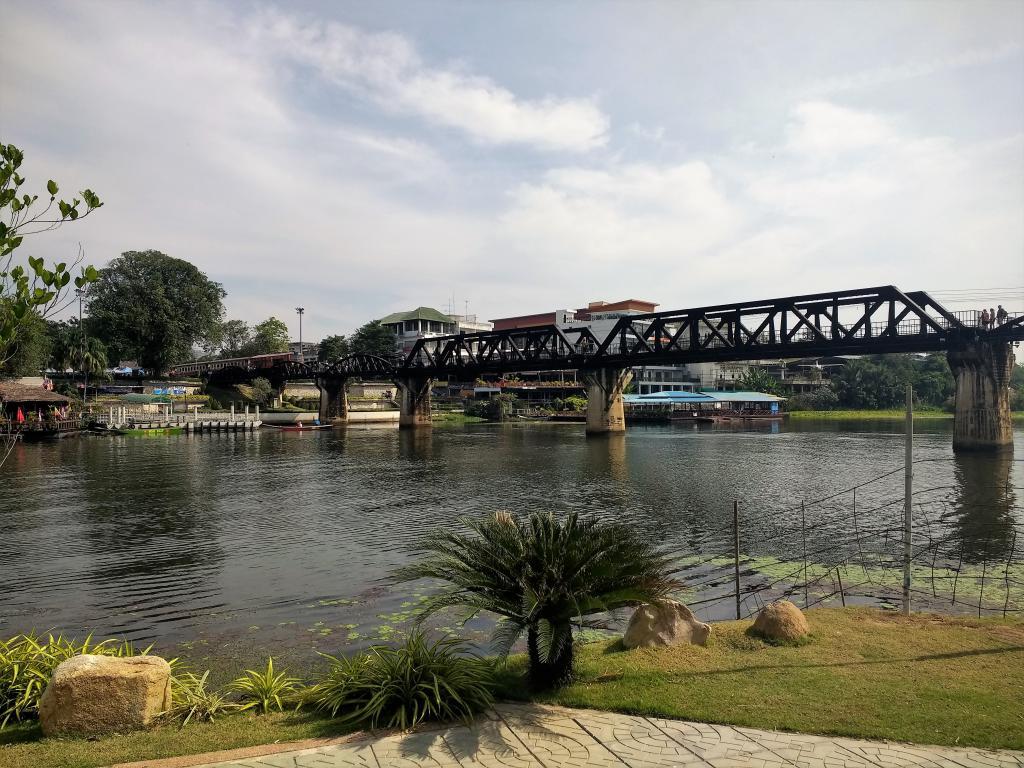 brug over rivier